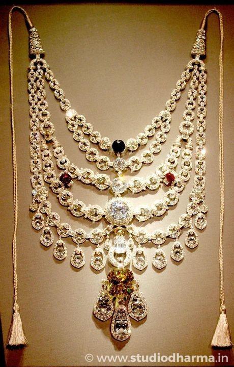 Patiala necklace of Maharaja Bhupinder Singh.